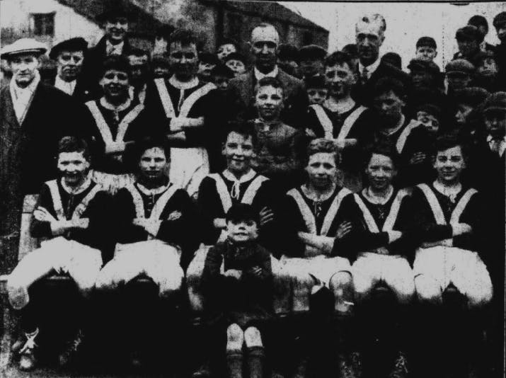 old photo of a school sports team