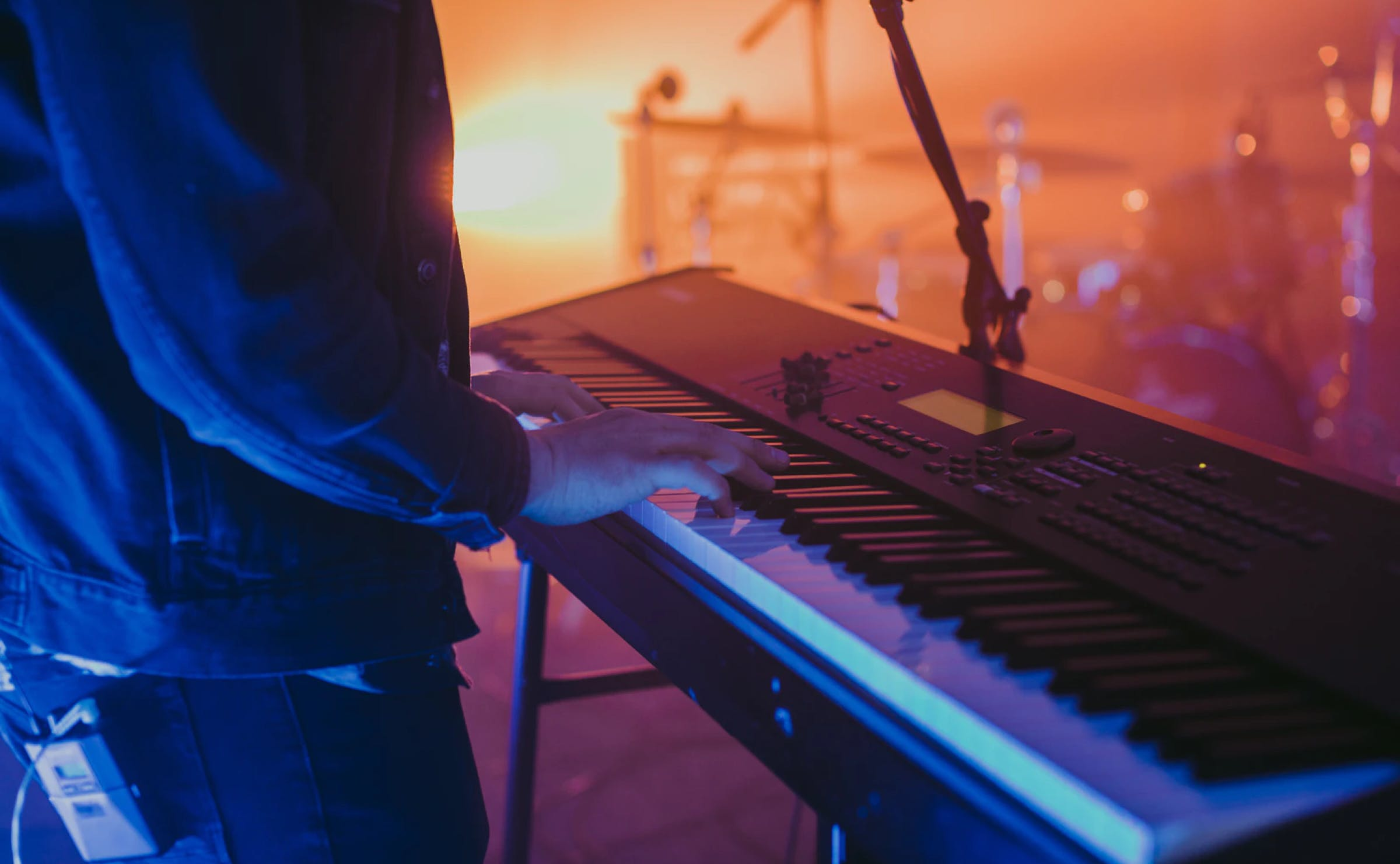 Keyboard player on a concert