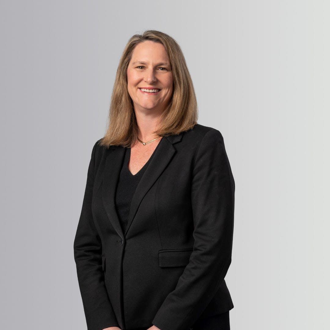 Rachel Hillyer (CEO)