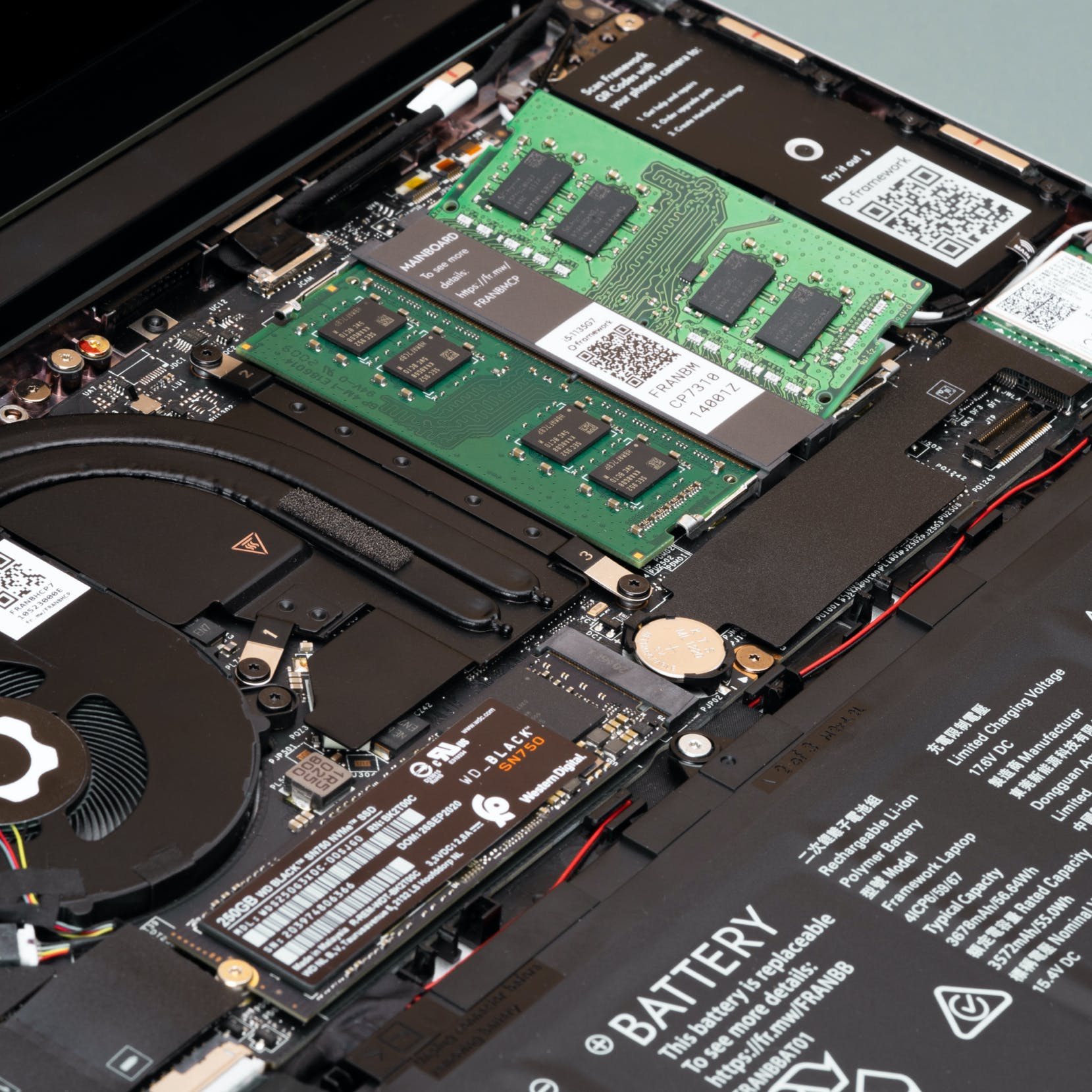 laptop internals with memory