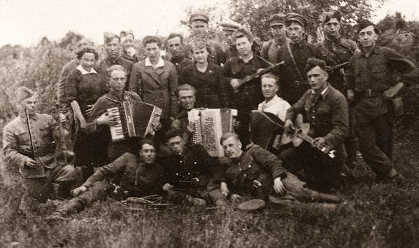 a partisan orchestra, WWII