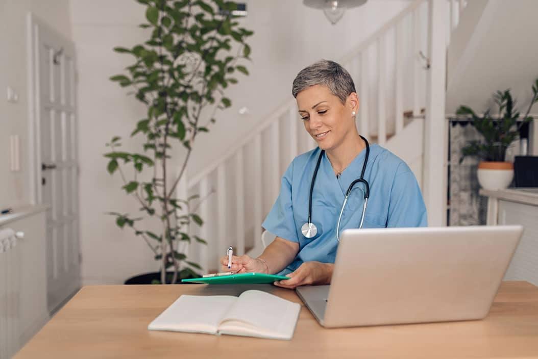Chatter avec une infirmière