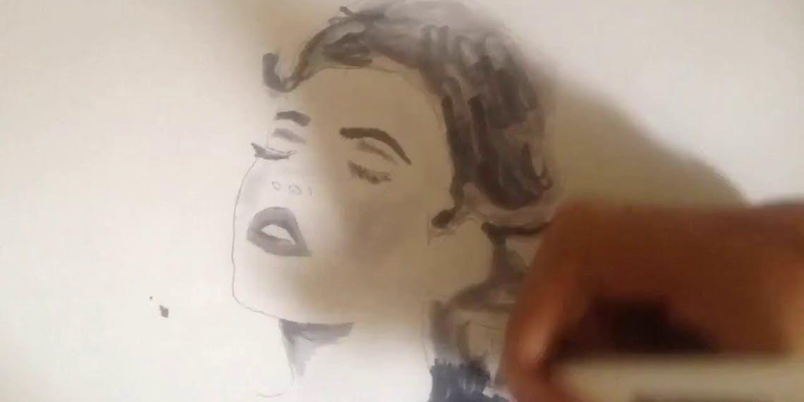 Garitma, mujer con los ojos cerrados, dibujo cámara rápida marcador sobre papel