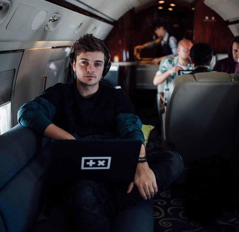 Martijn chilling on his way to a new show.
