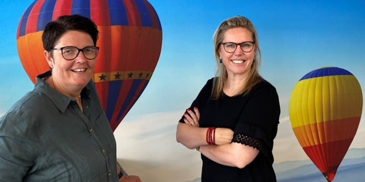 Accountmanager Jacqueline van Stamtafel en Debbie Ruiter van de directeur van Lampe Vitaal en Lampe Therapie