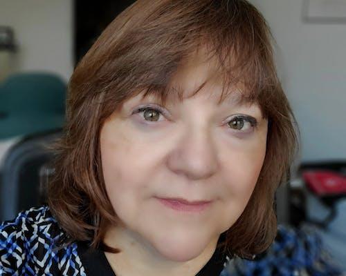 Julie Zolghadr