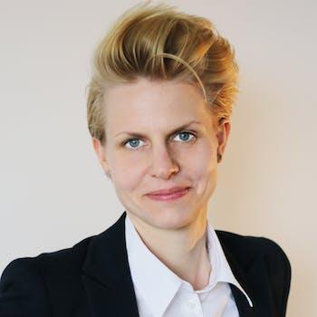 Dr. Astrid Carolus