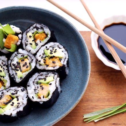 Maki med Go'Vegan nuggets, avokado og vårløk
