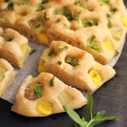 Focaccia med ost og potet
