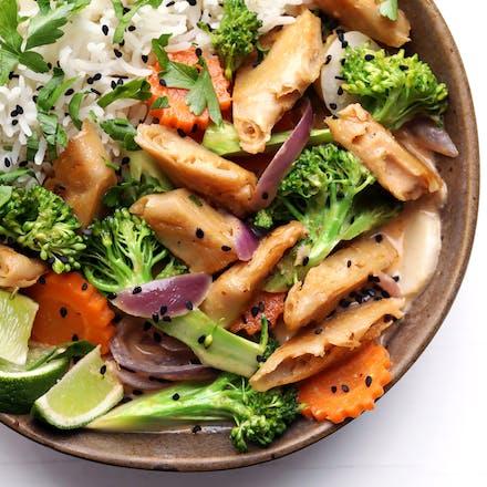 Rød thaicurry med kokosmelk, grønnsaker og Go'Vegan Kyllingalternativ