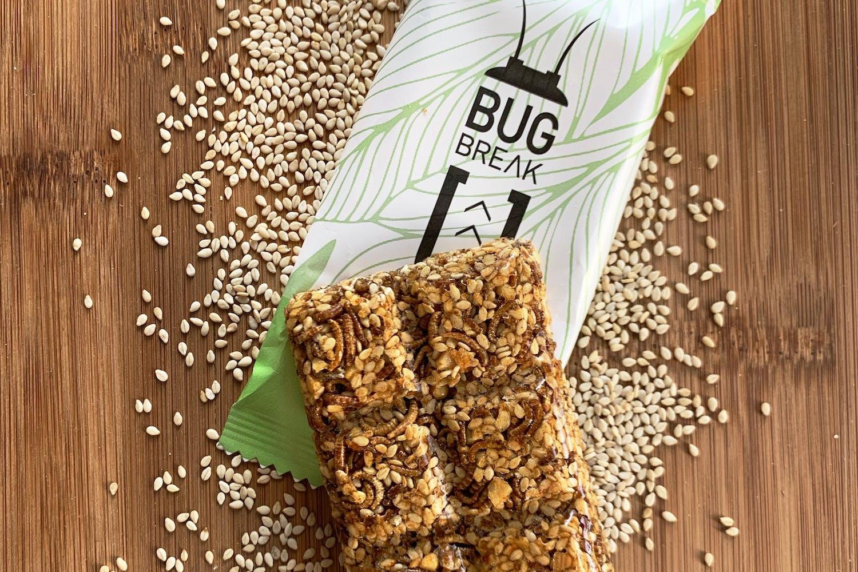 Bug-Break bar on top of the package