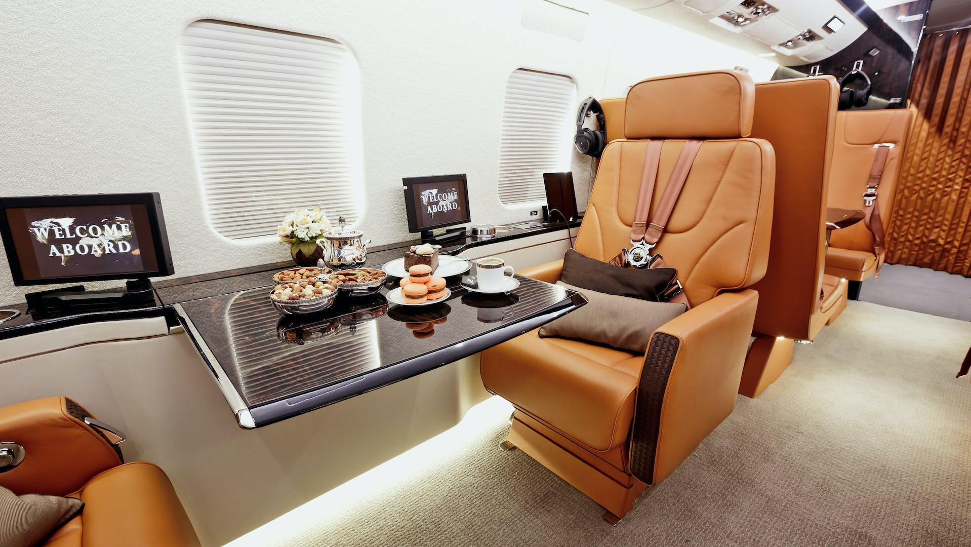 Never compromise on the features and amenities you want when you book a private group charter plane from LunaGroupCharter.