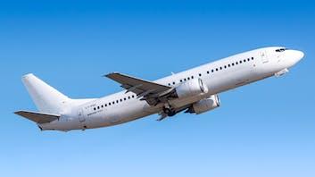 Boeing 737-400 taking off