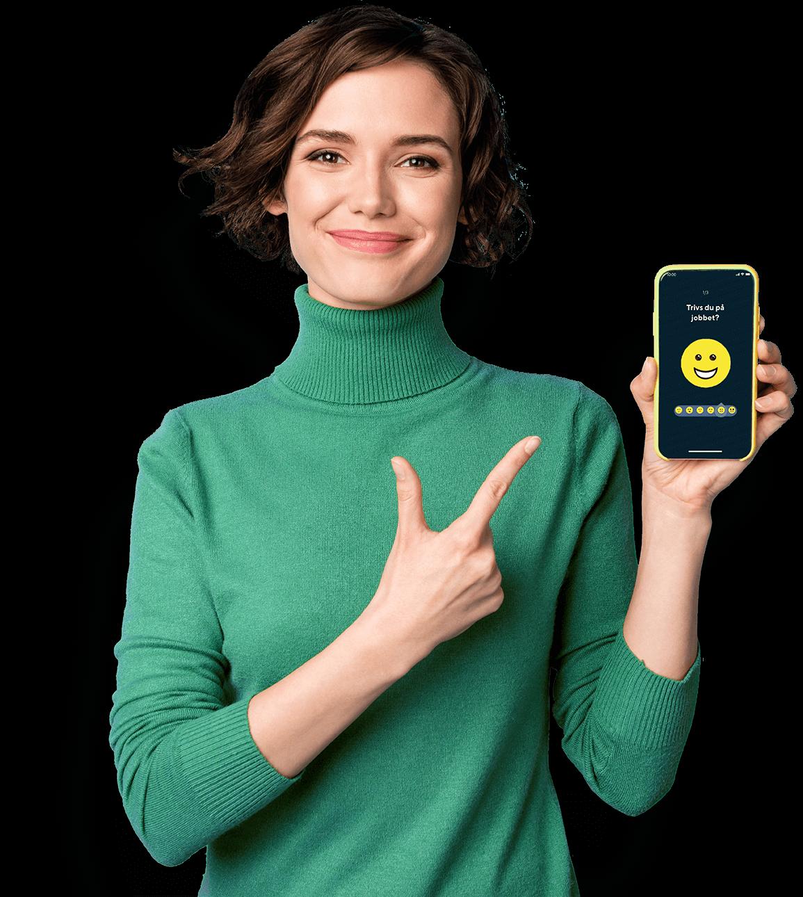 Kvinna som håller en mobil och pekar på den