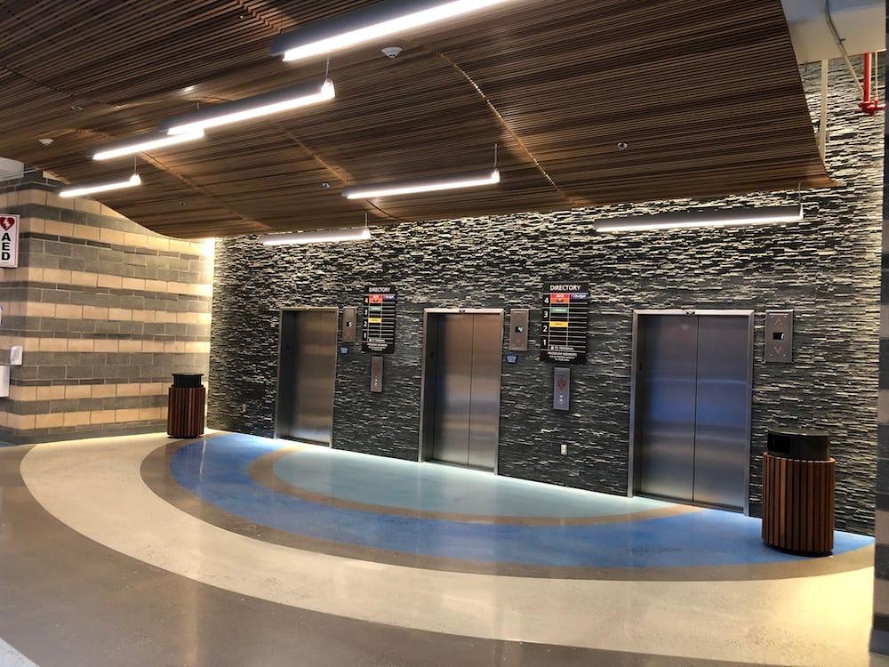 Typ Elevator Lobby