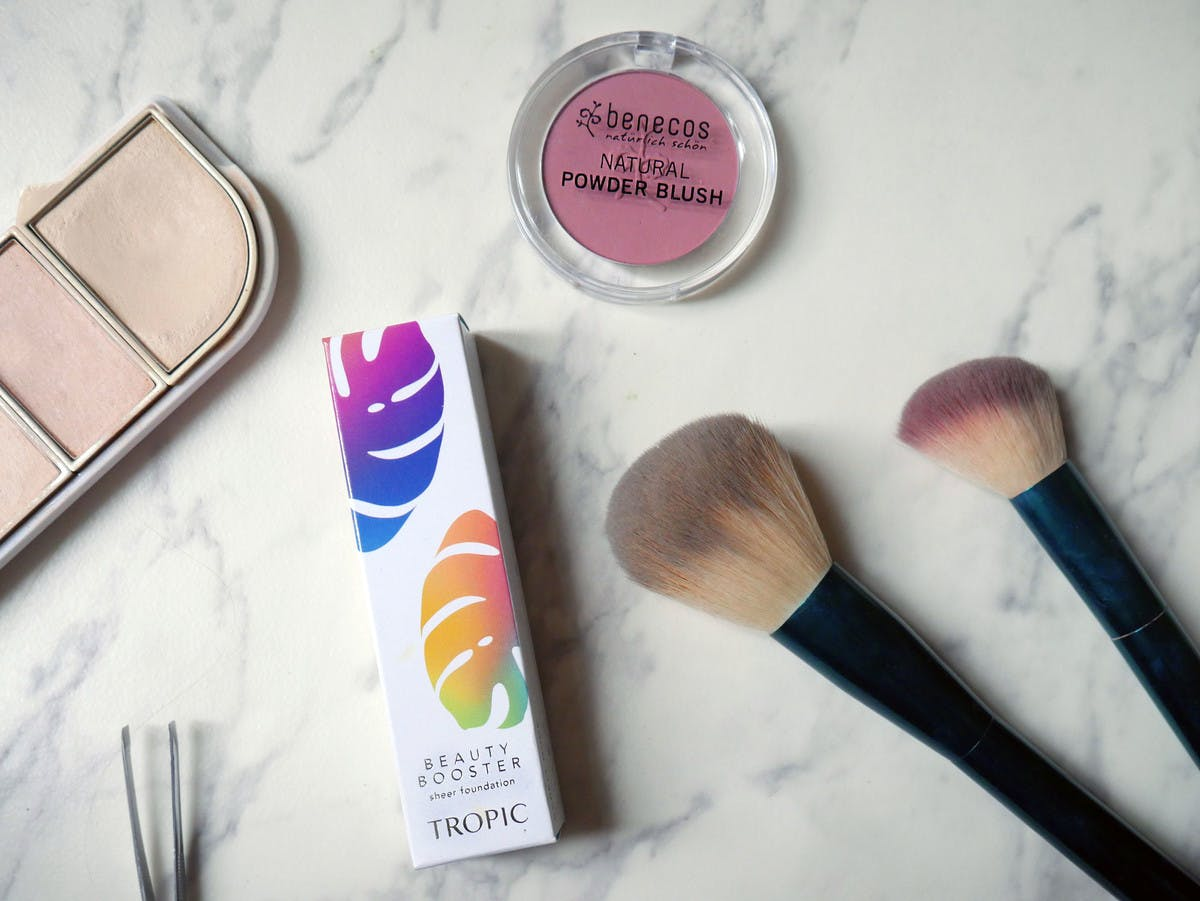 Switching to Natural Make-Up - Organic + Plant-Based Favourites