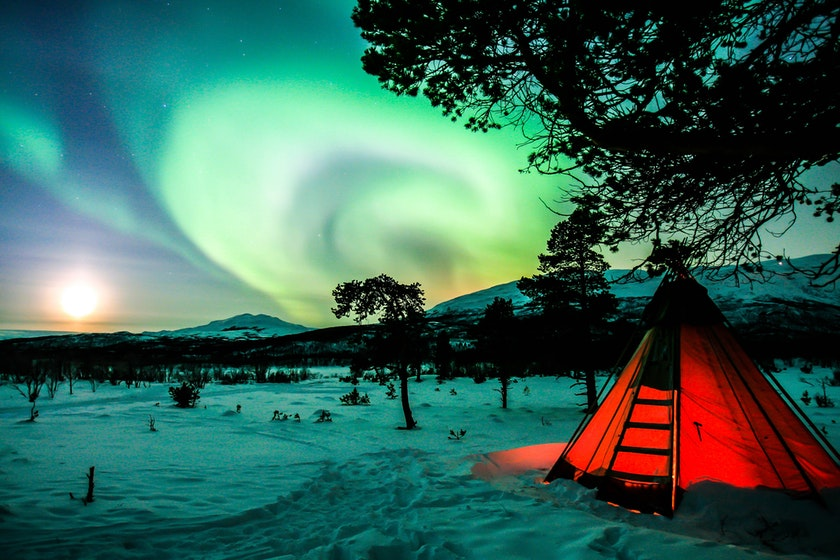 Beautiful view from Abisko National Park in Sweden. Photo by Timo Horstschaefer on Unsplash