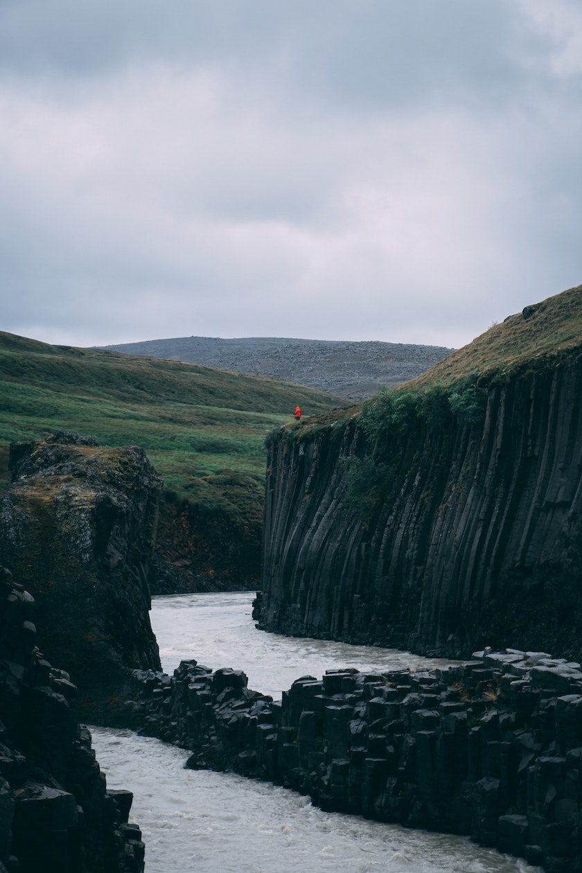 The famous Stuðlagil from the East of Iceland. Photo by Serafin Lichtenhahn on Unsplash
