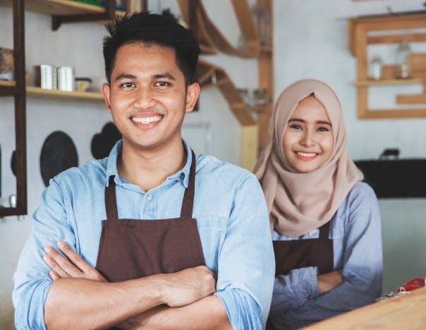 Pekerja workmate mendatkan tawaran pekerjaan
