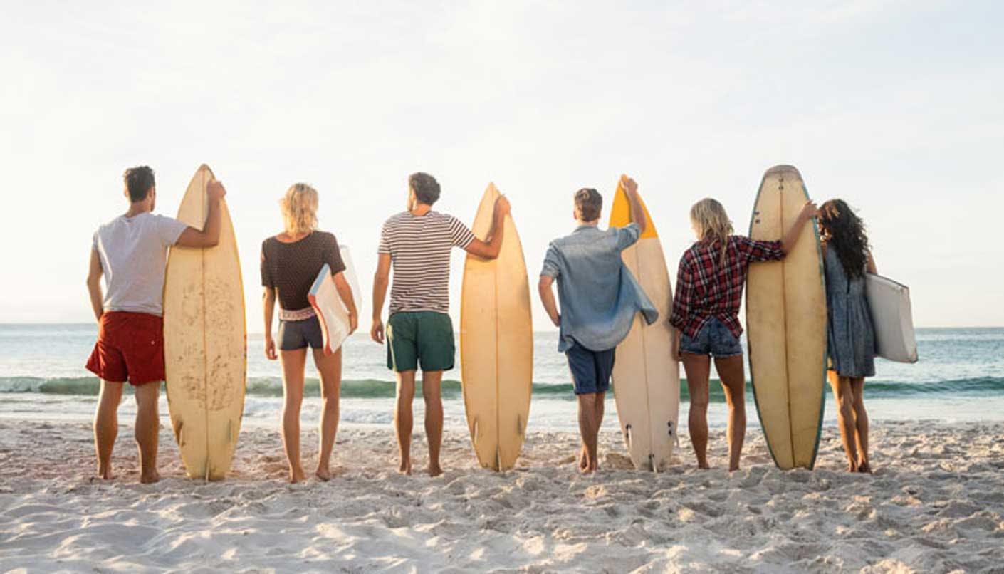 Ist eine Sportgeräteversicherung für Surfer sinnvoll?