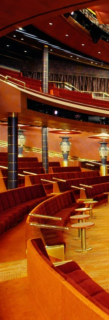 Las Vegas-inspirerte show i teateret