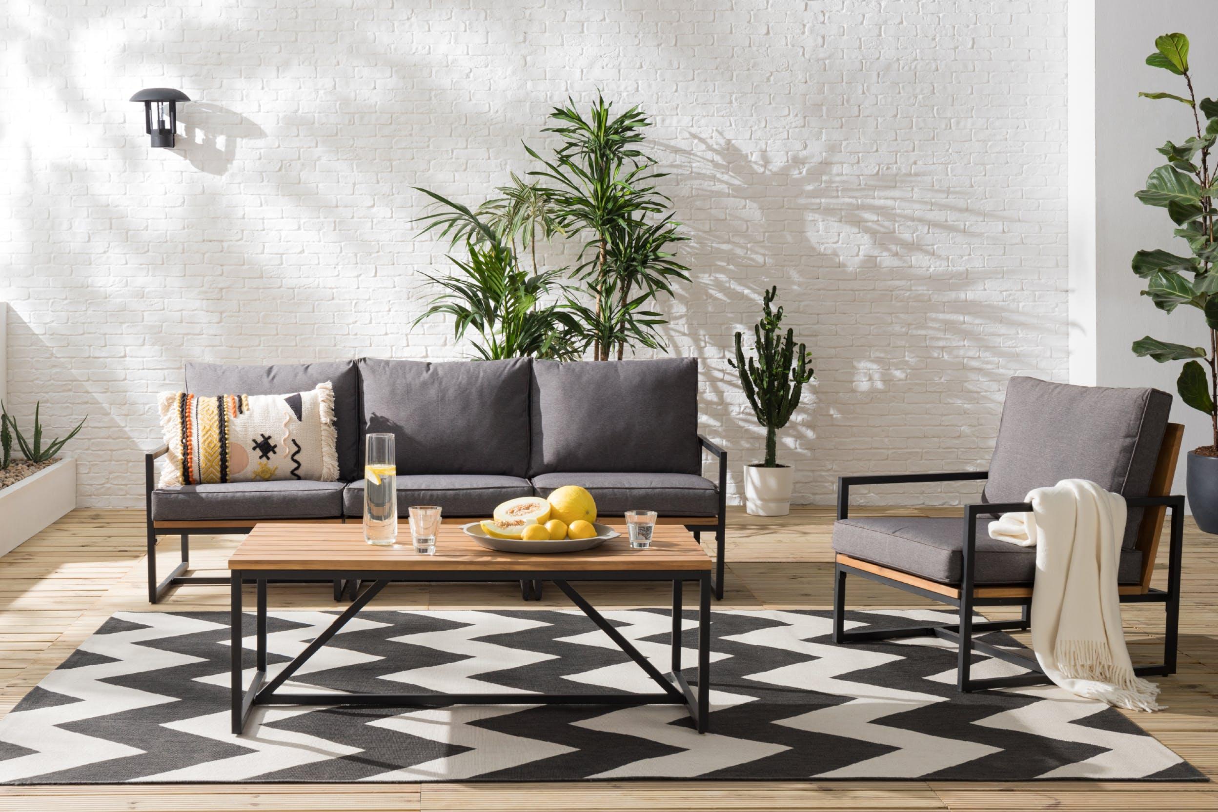 Lounge-möbel aus metall