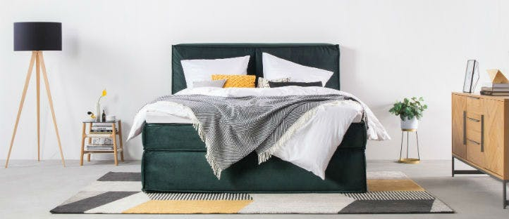 Moderne schlafzimmer mit Boxspringbett - home24