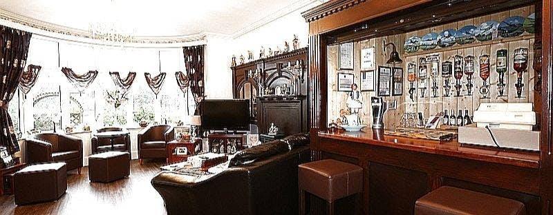 Baron's Court Bar