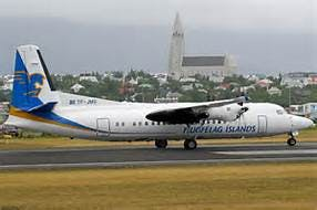 Mynd af flugvél Flugfélags Íslands á Reykjavíkurflugvelli