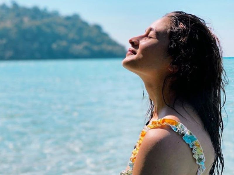 10 Sun-Kissed Pictures of Bollywood Celebrities That Left Us Spellbound