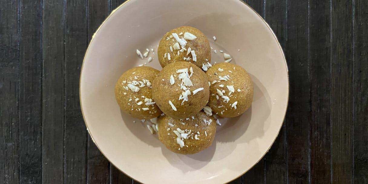 Besan Laddoo (Sweet Chickpea Flour Bites)