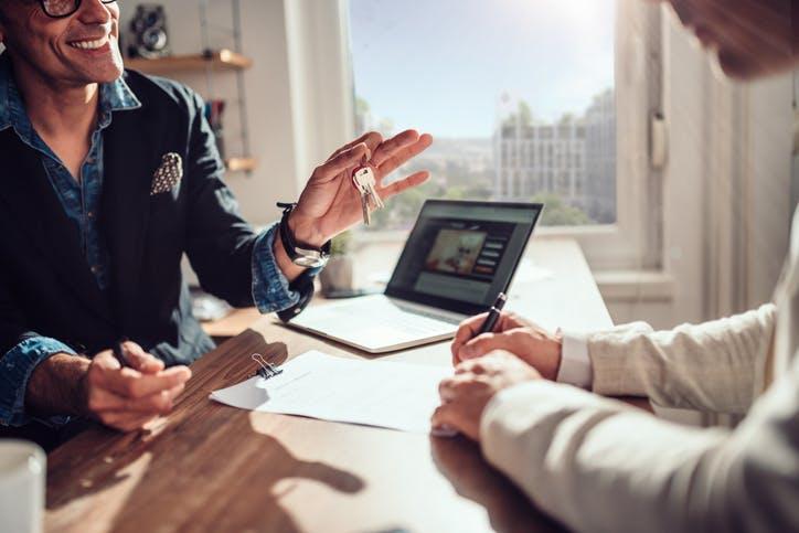 Quais as questões que deve colocar ao agente imobiliário antes de comprar uma casa?