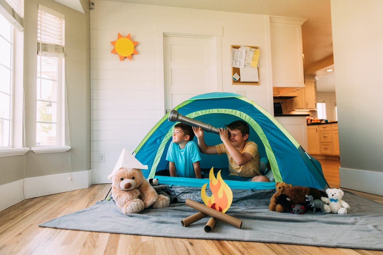Férias em casa: ideias para gastar pouco e divertir-se em família