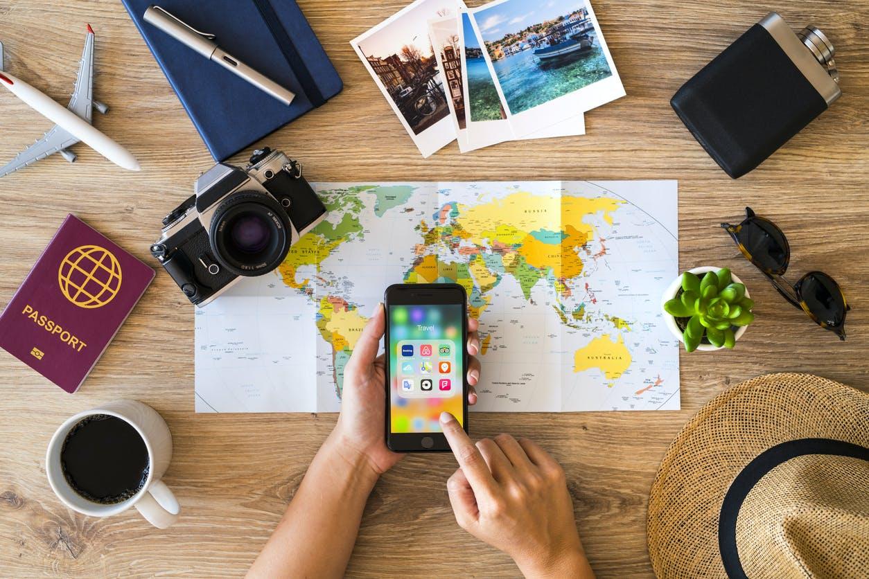 Airbnb proíbe festas nos alojamentos e condiciona ocupação a 16 pessoas