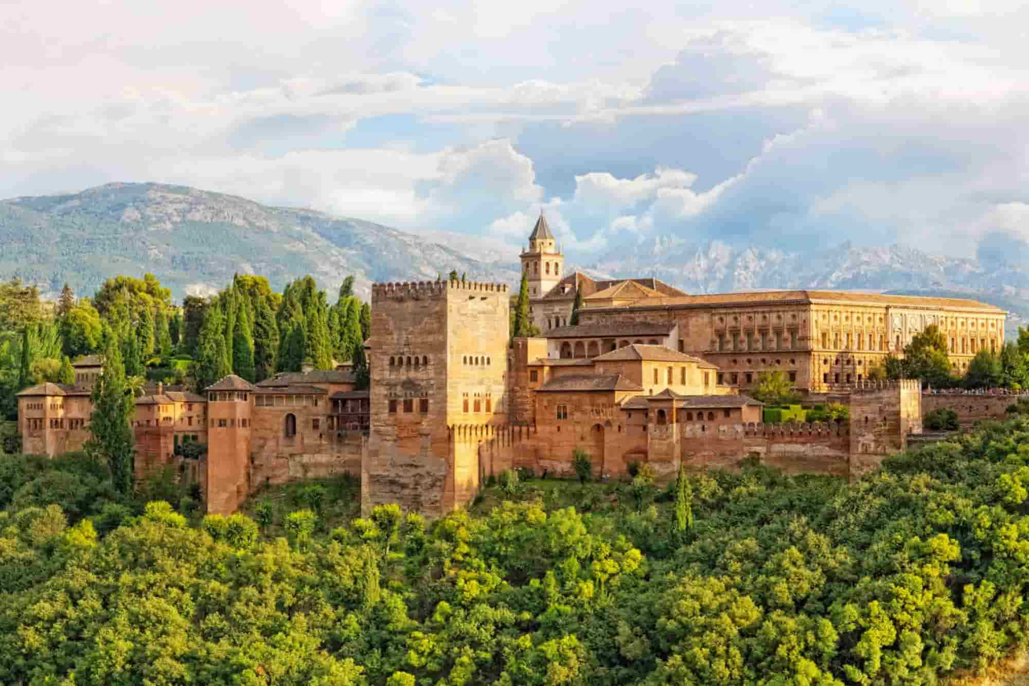The Alhambra, the firts waypoint of this South Spain Road Trip