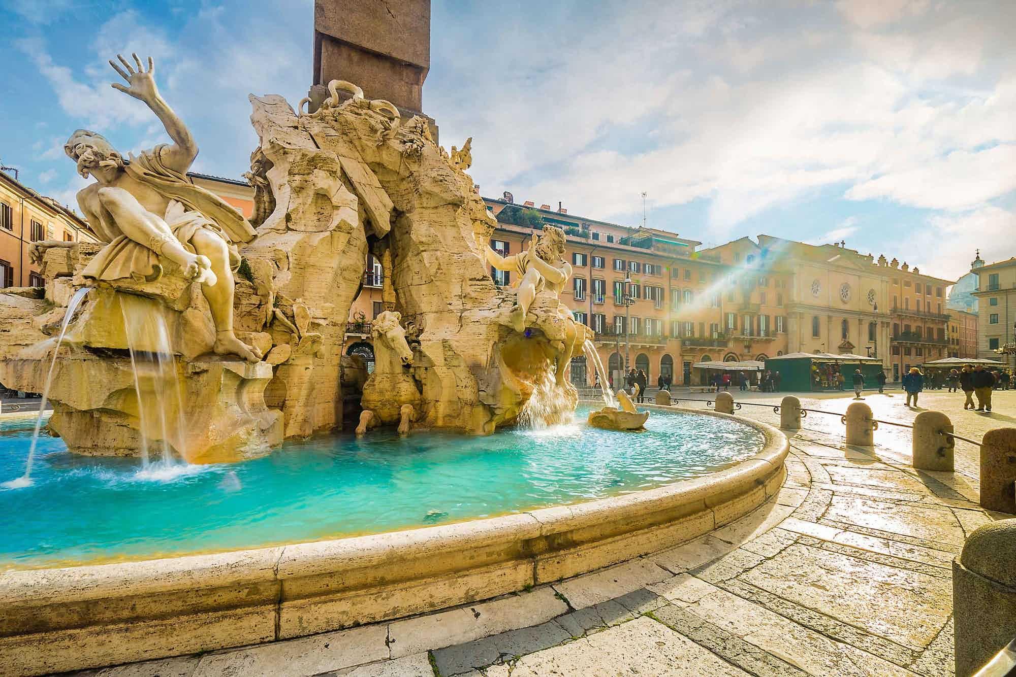 En fontän på torget Navona, Rom, en destination för din Centrala Italien Road Trip