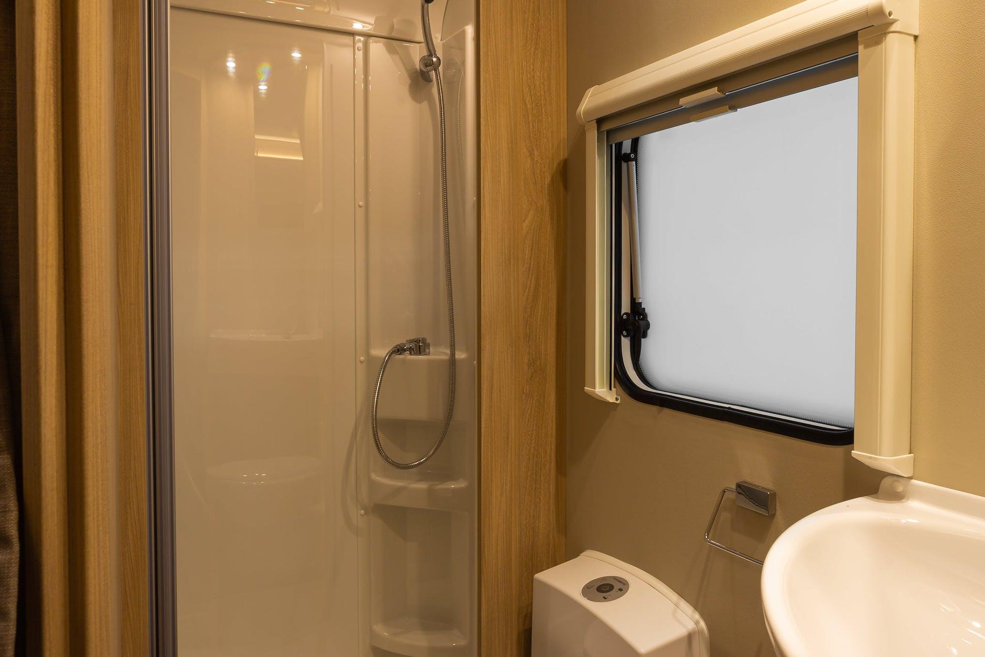 Atlas Model's shower