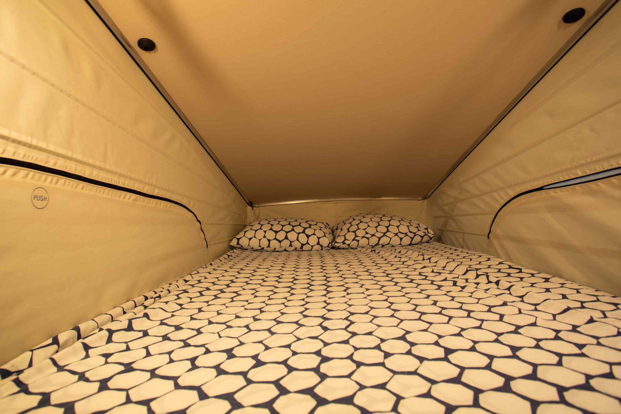 Marco Polo Model's Tent double bed