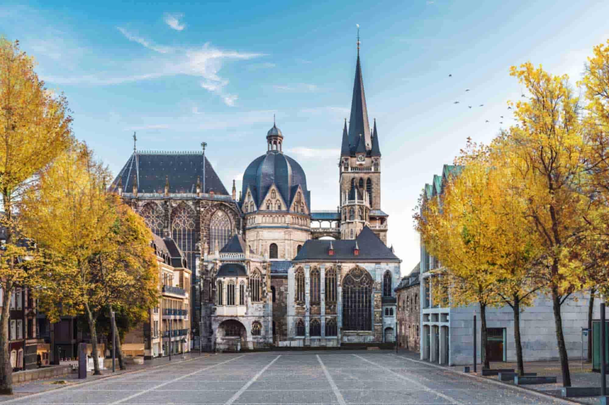 Ankunft in Aachen zum Ende dieser Reise durch Holland, Deutschland und Belgien