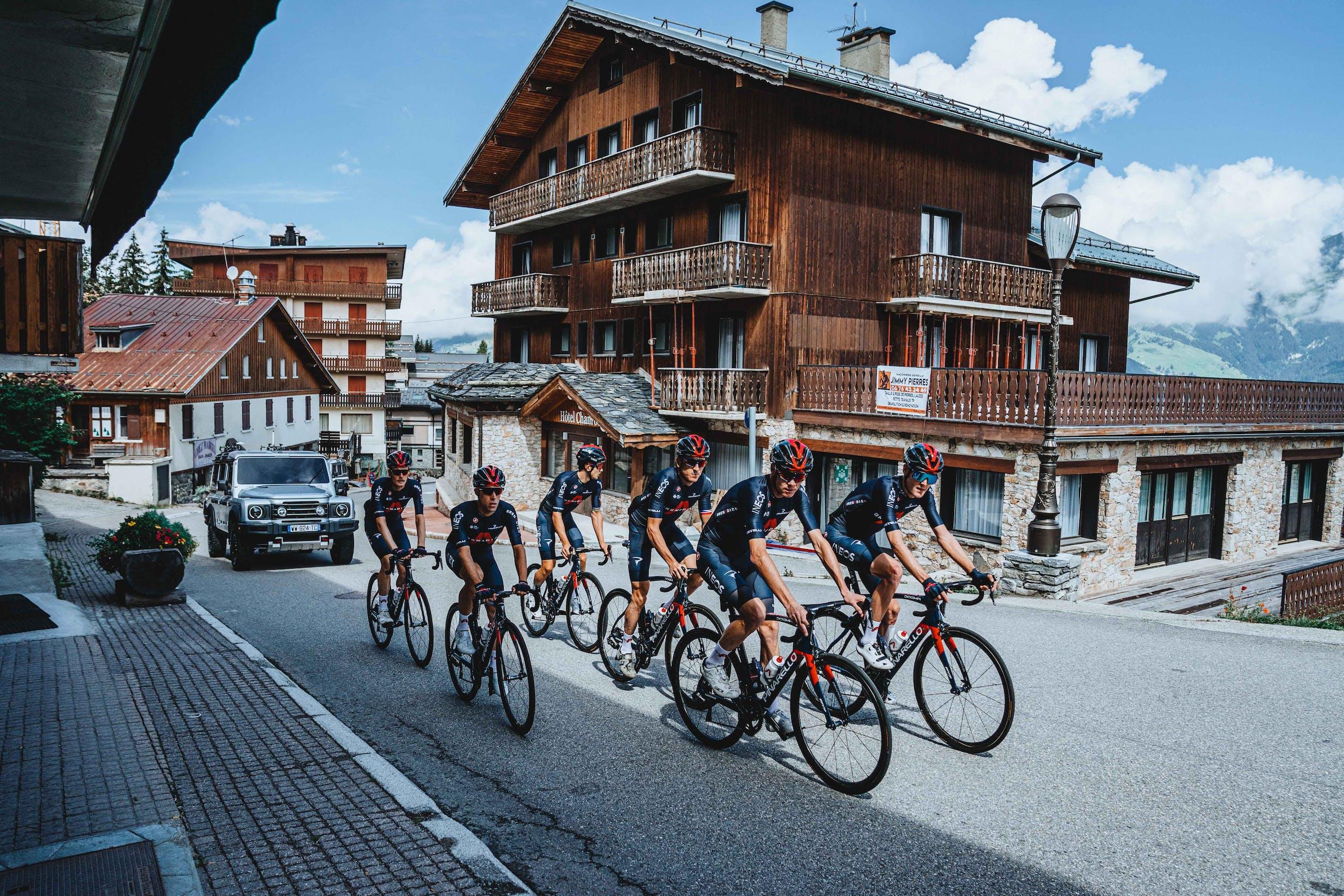 Vorstellung der INEOS Grenadiers vor Start der Tour de France