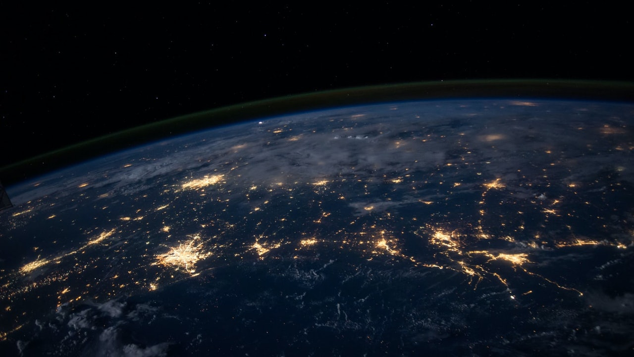 Description: Inpay outlines how APIs can transform global banking
