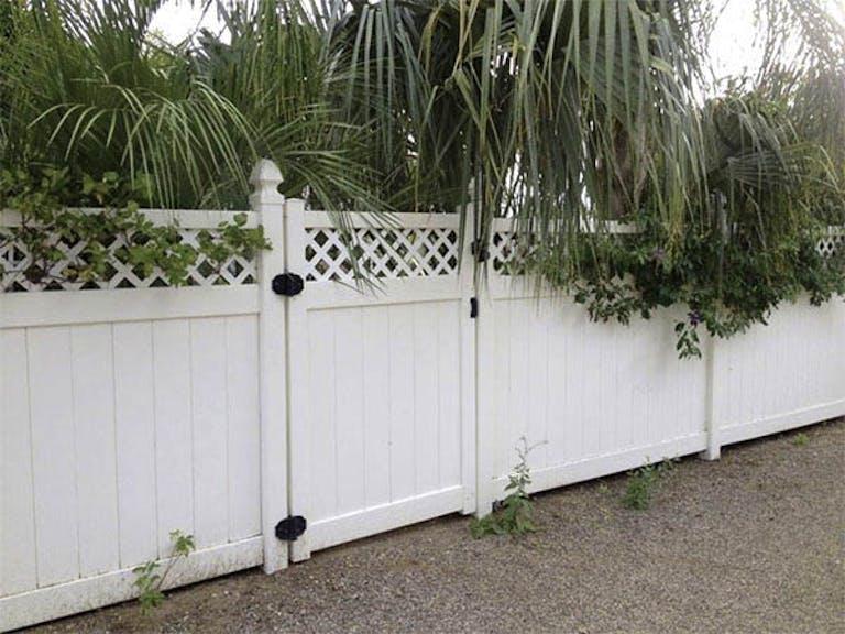 Biff-Baker-Fence-Co.-VInyl Fence