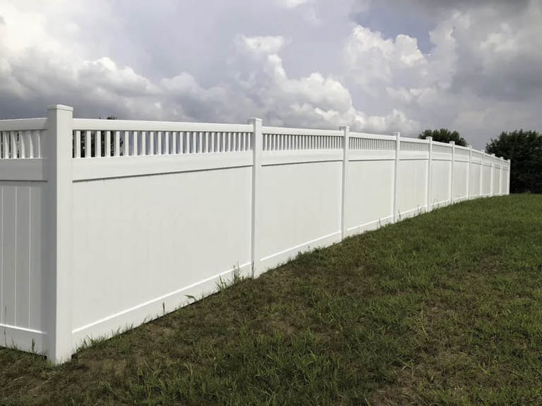 Creekside Fence and Deck Vinyl Fence