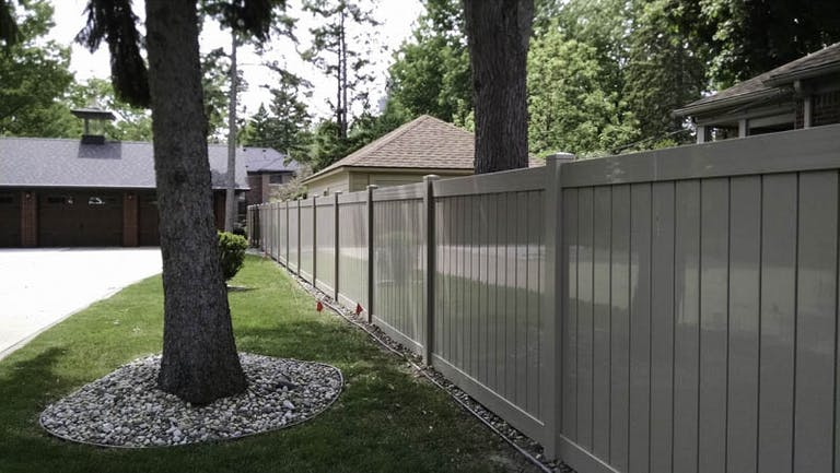 Mustang-Fence-Composite-Fence