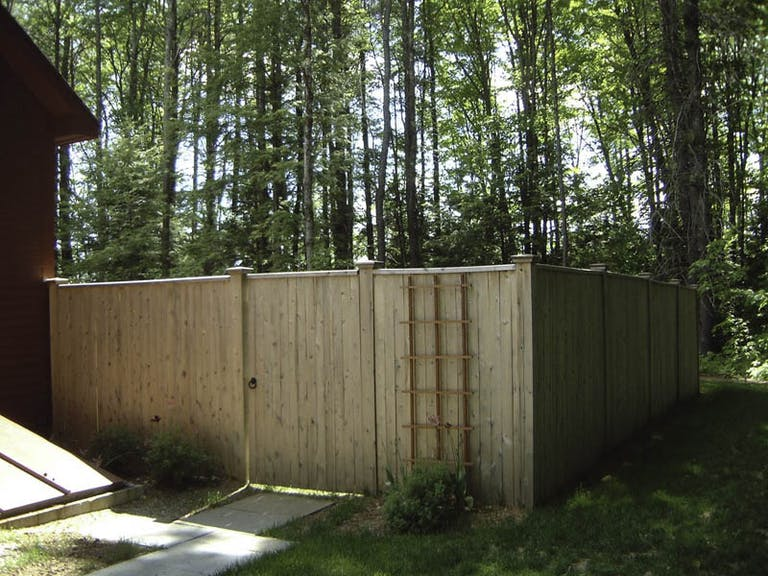 Crowe-Fence-&-Deck-Supply-wooden-fence