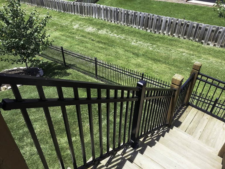 Robinson-Fence-Co.-Inc.-steel-fence