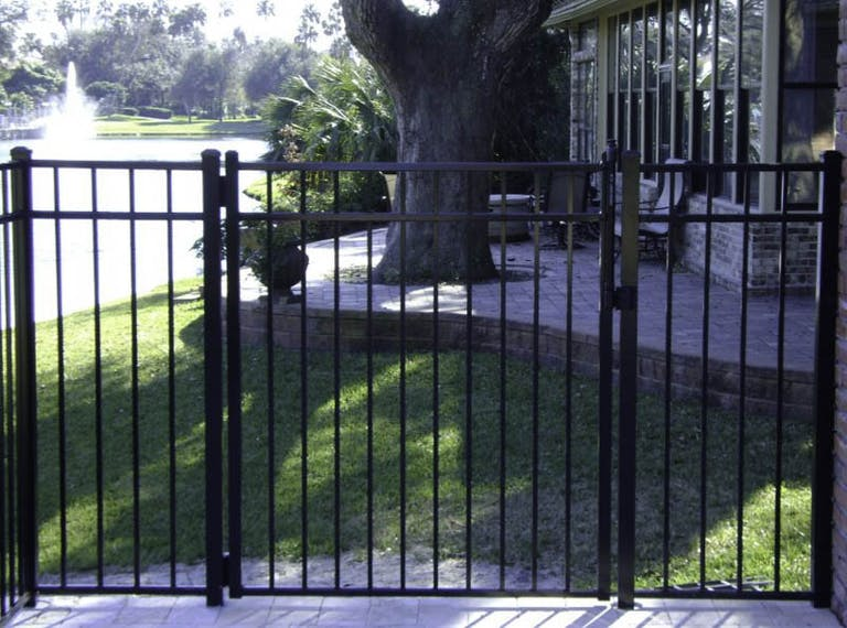 Fence-It-In-of-North-Florida,-Inc.-steel-fence