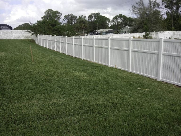 Carrie's-Fence-of-Palm-Bay-vinyl-fence