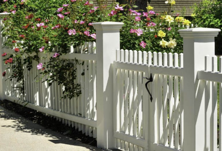 Hi-T-Fence-Systems-Picket Fence