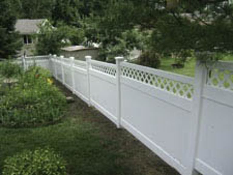 DeSelle Fence Wooden Fence